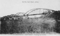 Dimbokro, passage sur le N'zi – Les travaux du chemin de fer « Abidjan-Niger » débutent en 1904. En 1909, le N'zi constitue la dernière grosse difficulté de la partie équatoriale du tracé ferroviaire ; il est franchi grâce à un viaduc de 255 mètres de long. Le viaduc du N'zi et la gare de Dimbokro sont inaugurés le 11 septembre 1910, par le gouverneur général Angoulevant.