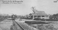 Chemin de fer de Bingreville à Bouaké – Les travaux de la ligne de chemin de fer « Abidnan-Niger » sont entamés en 1904. L'exploitation régulière commence en 1907, mais ne va que de la lagune à l'Agnéby. Il faut attendre 1912 pour que le service aille jusqu'à Bouaké (point kilométrique 345). C'est le gouverneur général de l'AOF d'alors, William Ponty, qui vient en inaugurer la gare, le 15 mars. Bouaké reste le terminus de la ligne jusqu'en 1923.