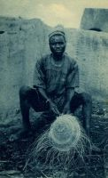Fabricant de chapeaux - Carte postale éditée par la Mission d'Ouagadougou