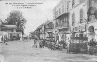 Saint-Louis, l'entree de la ville à la sortie du pont Faidherbe. A gauche la poste