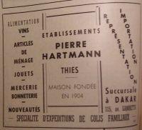 Publicité de 1948 – L'activité commerciale à Thiès est assez soutenue. Il y a des comptoirs de CFAO, Maurel Frères, Maurel et Prom, NOSOCO, SCOA, Chavanel, Vézia, Soucéli, Peyrissac, mais aussi les commerces de G. Castagné, P. Hartmann, R. Thomas, A. Senghor, Hide Nabhim, N. Ganamet. Il existe aussi des commerces spécialisés, Bata, Ardiès (chaussures), Sentenac (cabinet dentaire et pharmacie), Sassy, Hallack, Maurel et Prom, Heneny (boulangeries), Au poussin bleu (patisserie), Hôtel de la Gare, brasserie de la Victoire (J. Curel), restaurant Central (Alba), café-restaurant Rex, Le Cosmopolite (E. Thibault) (cafés-brasseries), Rex, Agora (cinéma)…