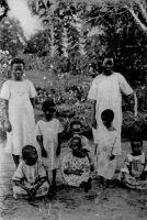 Togo, les petites filles noires à l'internat – Carte éditée par les Soeurs missionnaires de Notre-dame des Apportes, Vénissieux (Rhône).